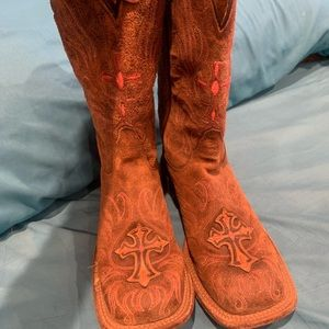Boots size 6 1/2